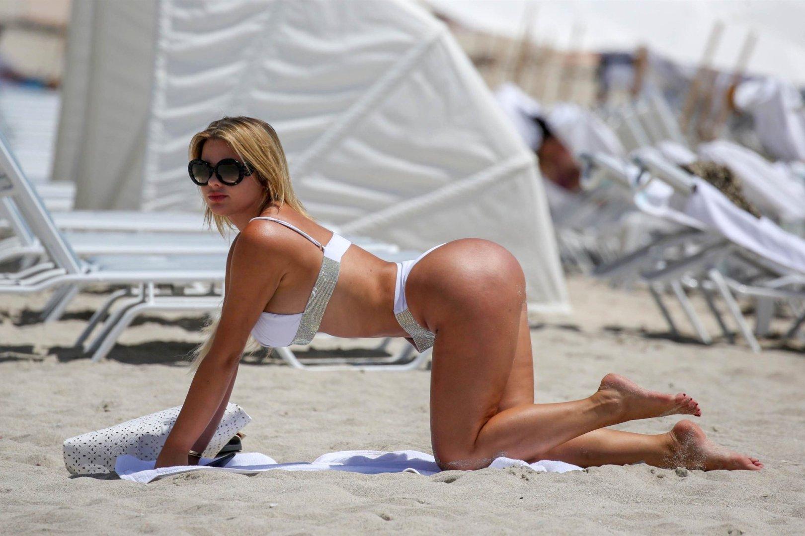 Anastasiya Kvitko Big Booty White Bikini 10 Jpg