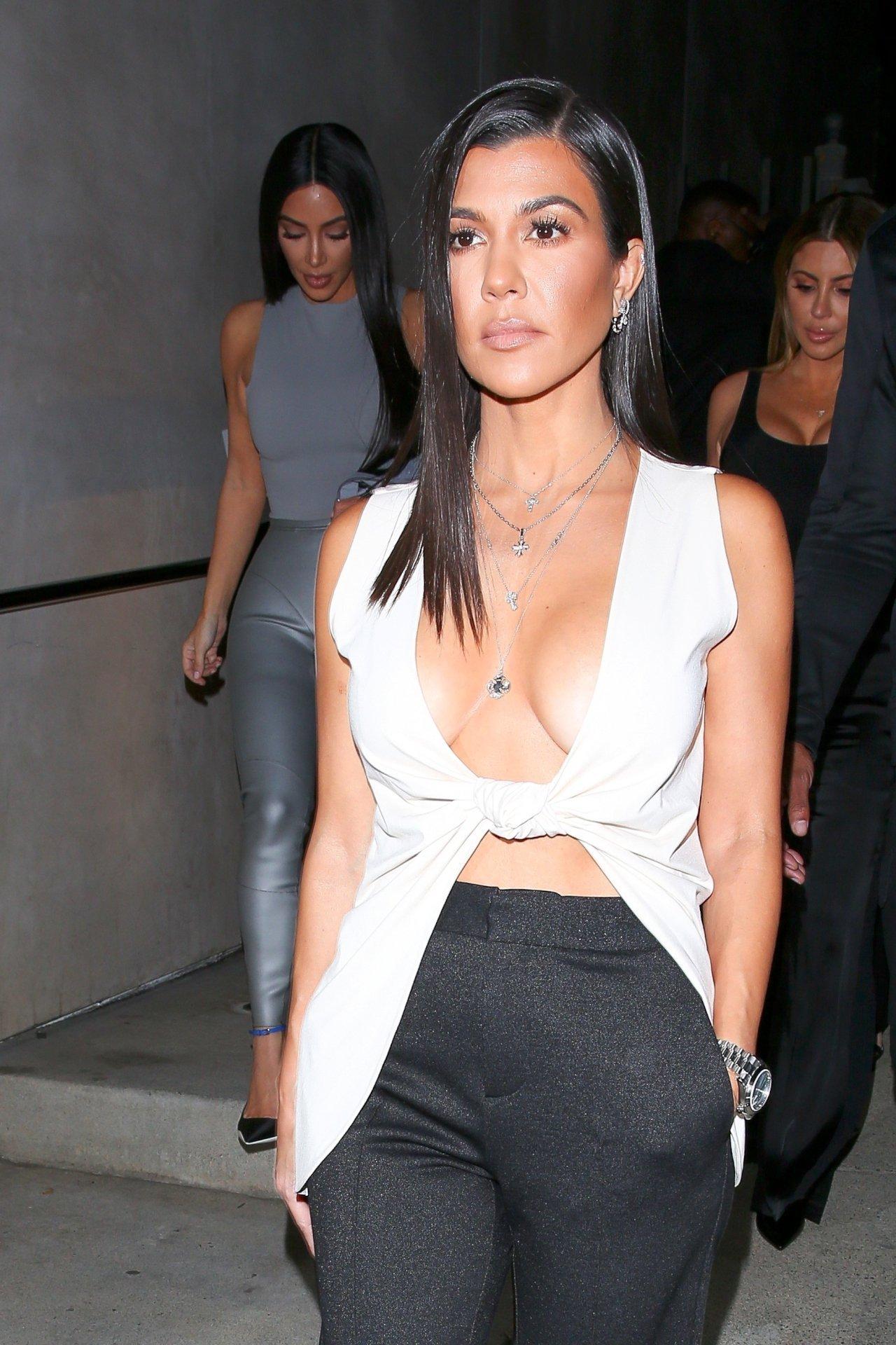 Watch Kourtney Kardashian braless video