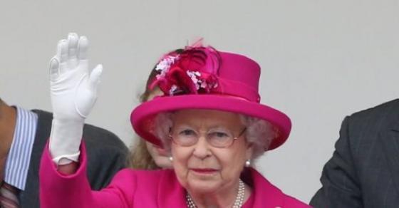 Кралицата Елизабета предупредува: Ќе почне светска војна и многумина ќе умрат