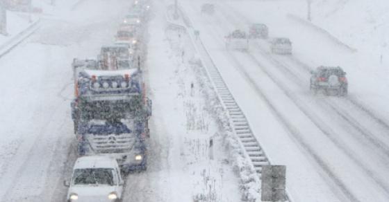 Снегот го затвори Граничниот Богородица   70 камиони чекаат неколку часа