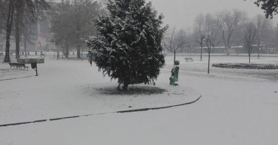 УХМР со вонредна прогноза  Ќе вее снег со денови