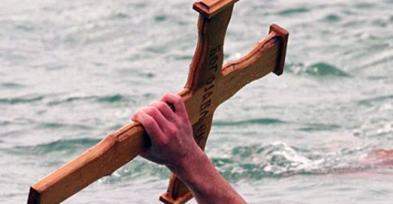 Во Неготино момчето кое го извлече крстот е истото од лани