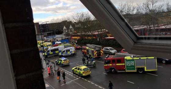Возач влетал во група луѓе има повредени