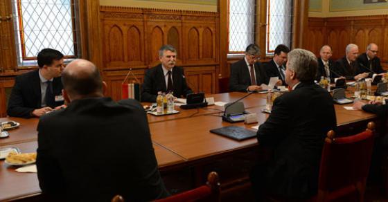Иванов оствари средба со претседателот на Парламентот на Унгарија  Ласло Ковер