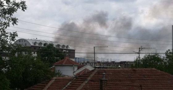 Голем пожар во Карпош  се слушаат сирени   еве што се случува