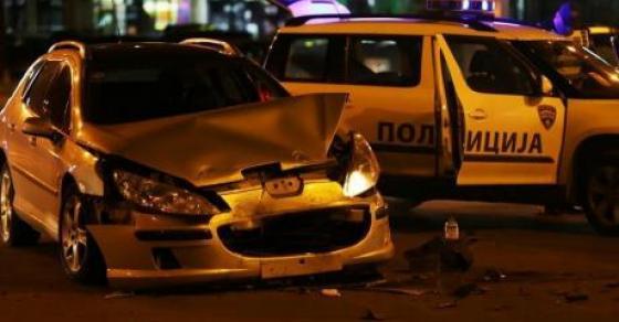 Страшна сообраќајка на Партизанска  Брзал во болница   се забил во возило