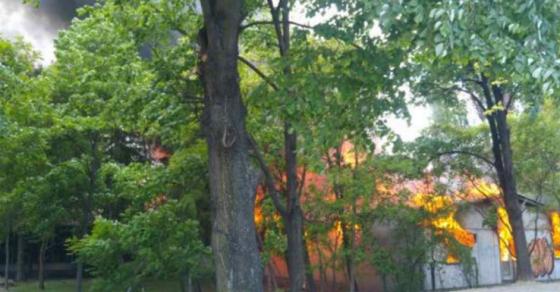 Локализиран пожарот во скопски Карпош