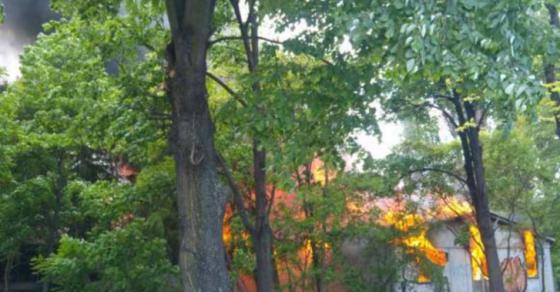 Ветрот ја отежнува работата на пожарникарите  Детали за пожарот во Карпош