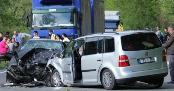 Страшна сообраќајна несреќа на патиштата  повредени повеќе лица