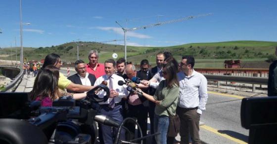 Груевски  Во моментов се градат три нови автопати  идната недела започнуваат три нови реконструкции