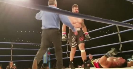 Вознемирувачко  УФЦ борец почина после нокаут во ринг