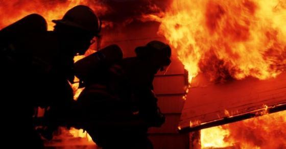 Приморјето во пламен  гори градинка  а жителите немаат вода   пожар беснее во Хрватска