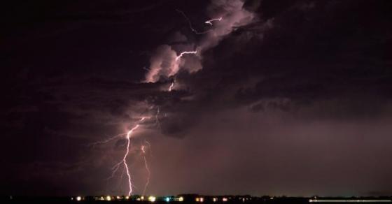 УХМР предупредува  Следуваат грмежи и врнежи