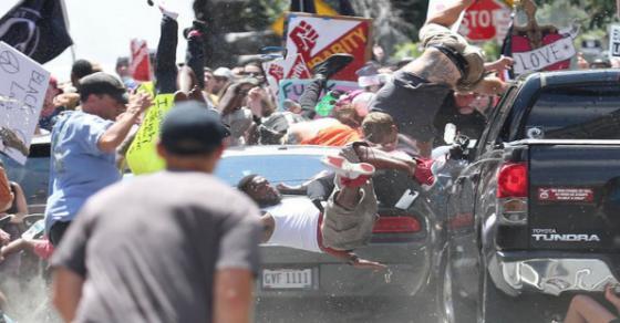Три лица загинаа  а 35 се повредени  за време на протестите во Шарлотсвил во САД
