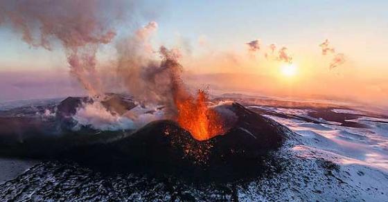Се активира најголемиот евроазиски вулкан на Камчатка