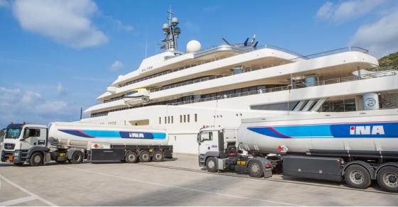 Хрватски цистерни точно 27 часа точеа гориво во јахтата на Абрамович