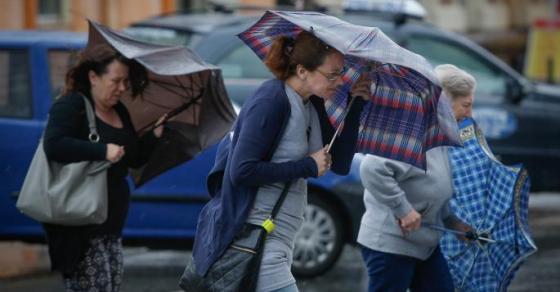 УХМР со соопштените до граѓаните  Следува посвежо време проследено со врнежи