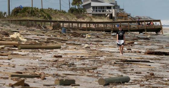 Сѐ поголем бројот на жртвите од ураганот  Ирма    предизвика сообраќајки и струјни удари