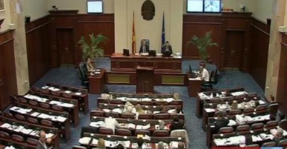 Дебатата за законот за јазиците  засега ставена во мирување  ќе продолжи после локалните избори