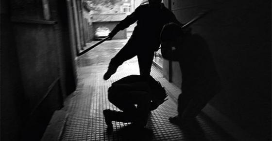 Претепан и ограбен малолетник од Скопје