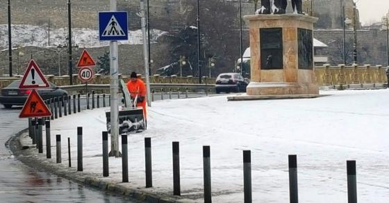 Доаѓа вистинска зима  Први услови за снег во градовите низ Македонија