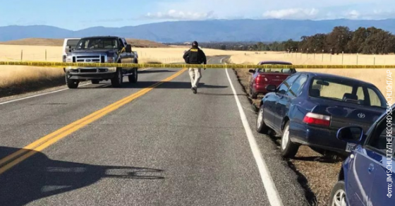 Пукотници во Калифорнија  Тројца застрелани