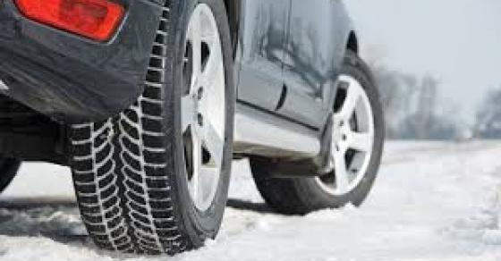 Од денеска задолжително зимска опрема во возилата   во спротивно големи казни