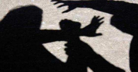 Уште една тепачка во автобус   постар маж претепа средношколец во Скопје