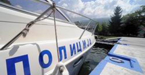 Безживотно тело забележано во Охридско Езеро  полицијата на терен