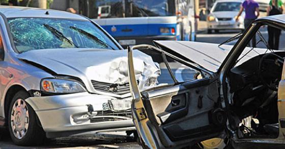 Едно лице тешко повредено а уште 13 полесно во сообраќајќи во Скопје