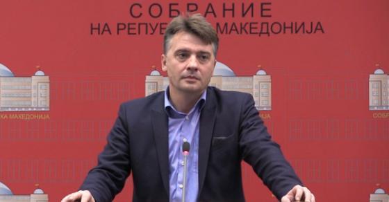 Шилегов најави нови фасади за средните школи