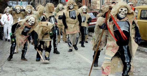 Вевчани театар на отворено   василичарско оро на 1 000 маски