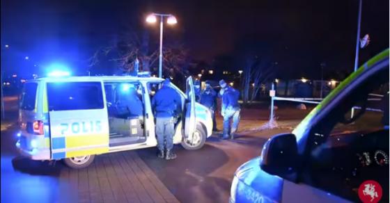 Бомбашки напад во Шведска  Фрлена рачна бомба врз полицијата во Малме