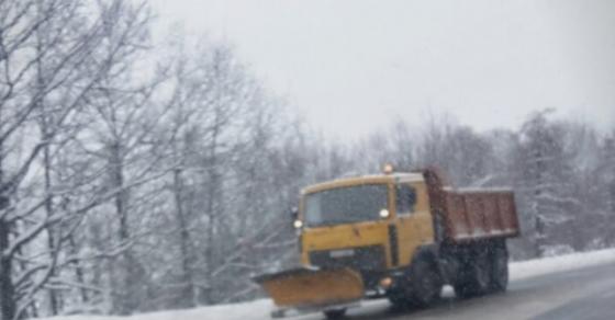 Забрана за товарни возила на патот Струга Ќафасан