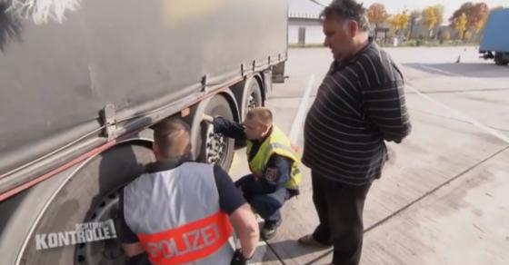 Како македонски камионџија се справува со германска полиција    Ќе ти се јавам од Македонија