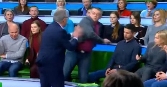 pretstavnici-na-rusija-i-ukraina-se-stepale-pred-kamerite-na-politichka-emisija