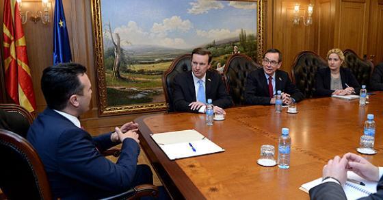 Средба на премиерот Заев со американскиот сенатор Марфи и амбасадорот Бејли