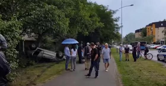 Видео: Карамбол во Нови Сад - се преврте автомобил полн со матуранти